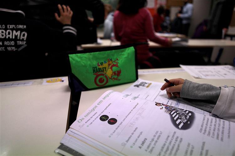 Fenprof acusa Ministério da Educação de vincular professores sem estabilidade