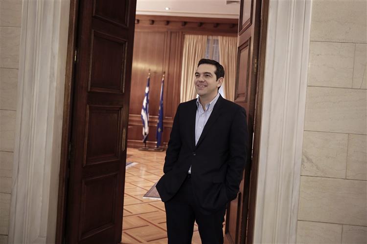 Governo grego diz que não procura 'inimigos externos' em resposta a Rajoy