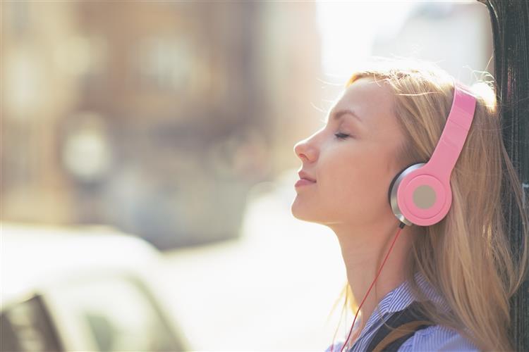 Cuidado com o uso de headphones