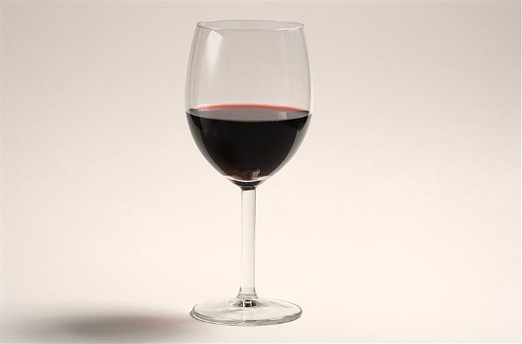 ASAE apreendeu 324 mil litros de vinho