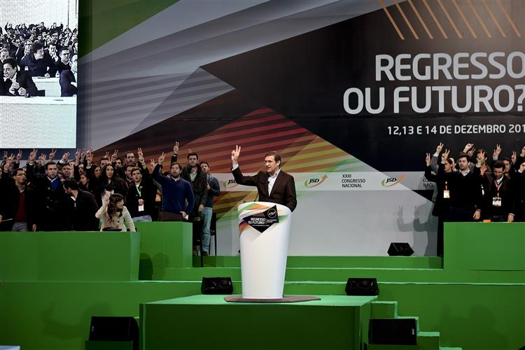 PSD quer fazer contrato fiscal com os portugueses