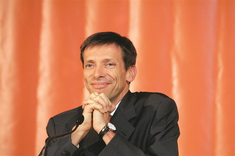 Paulo Azevedo assume presidência da Sonae Capital e da Sonae Indústria