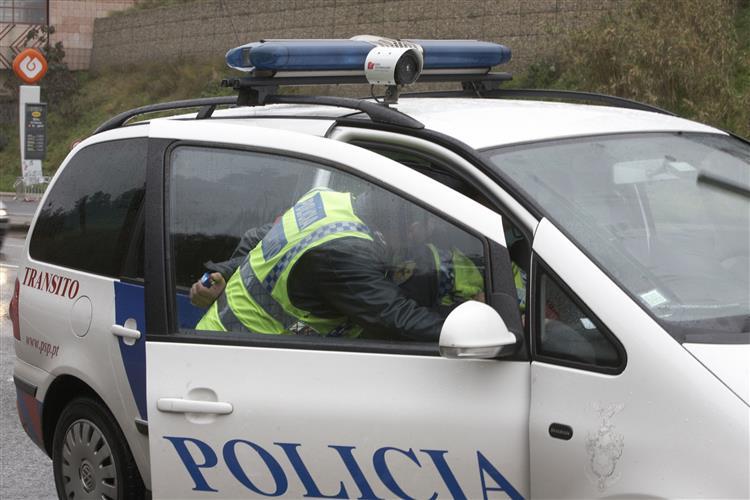 Lisboa: Agente da PSP julgada por torturar e agredir duas mulheres