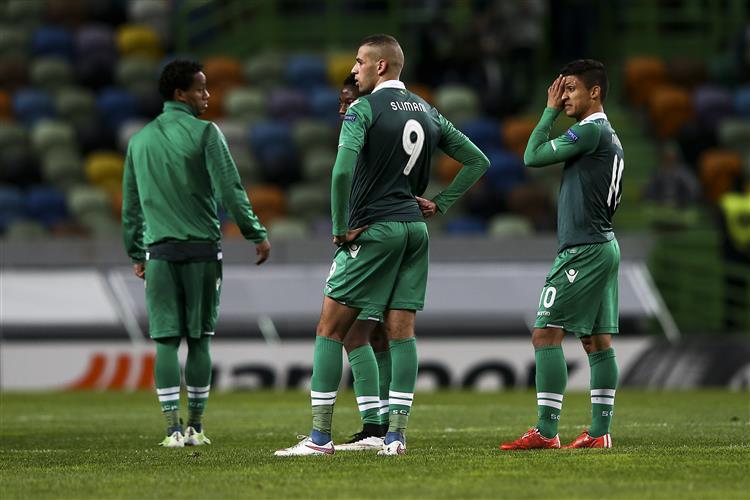 Nacional defronta o Sporting esta noite