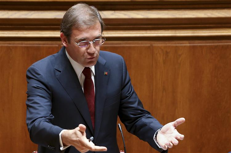 Questões 'do foro pessoal' serão respondidas pelo primeiro-ministro, diz Marques Guedes