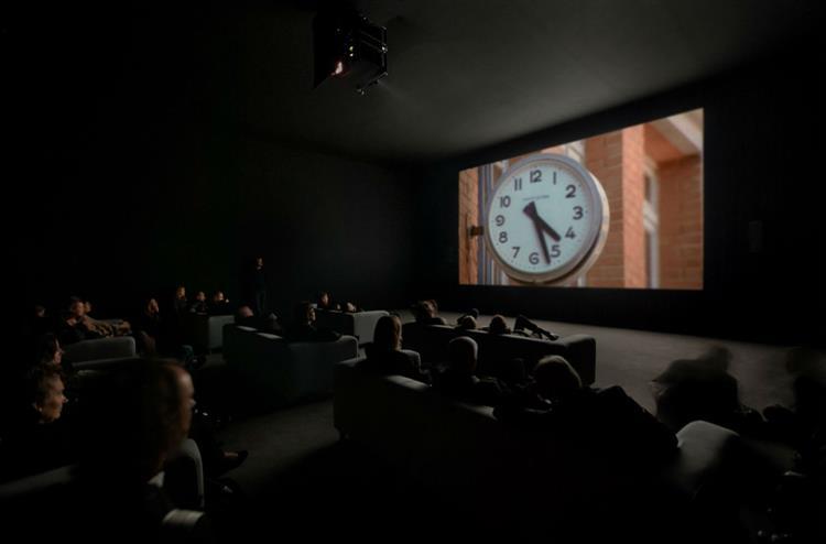 Um filme gigante que pode ver hoje de pantufas