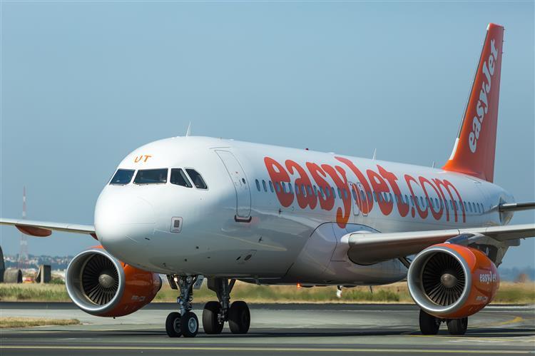 Agressão a hospedeira obriga avião da Easyjet a aterrar de emergência em Roma