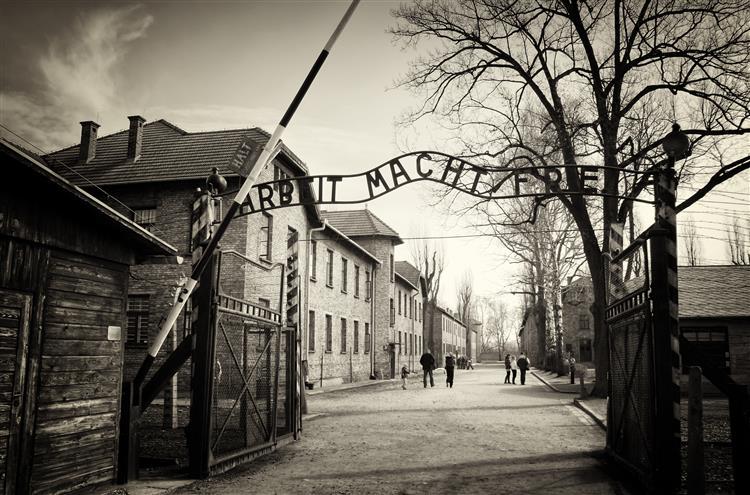 Antigo guarda nazi pede perdão a vítimas de Auschwitz