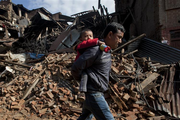 Número de mortos no Nepal sobe para 3.218