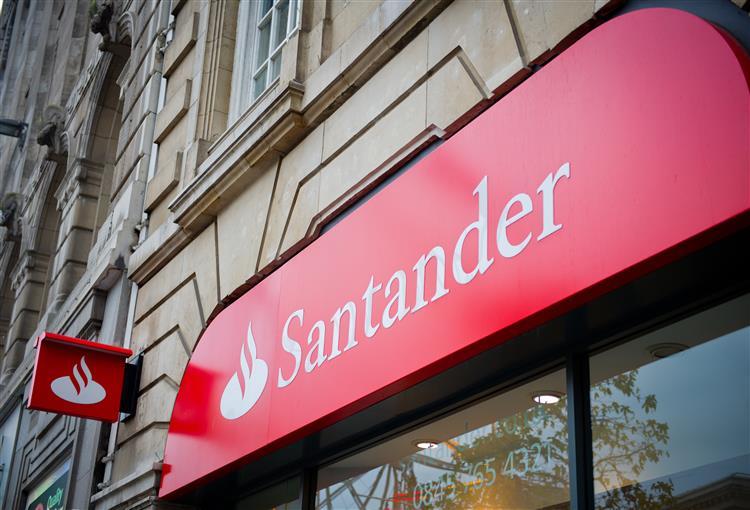 Santander regista lucros de 1,717 mil milhões de euros