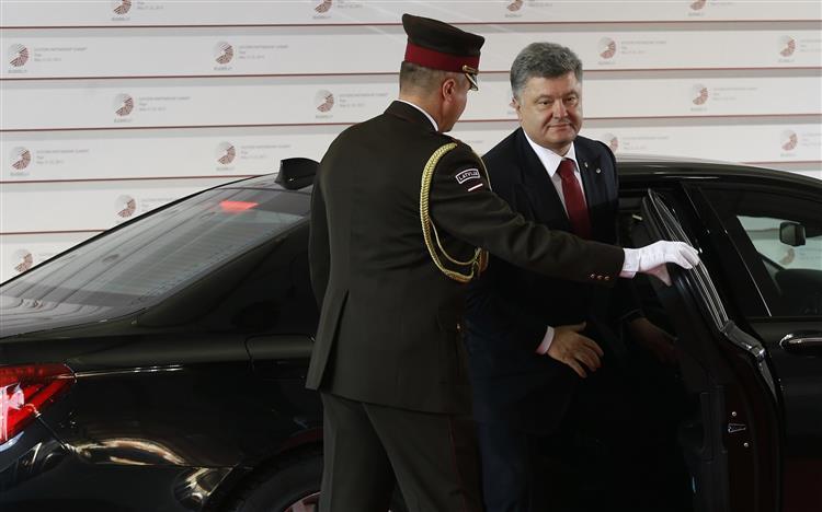 UE e Ucrânia assinam memorando de entendimento