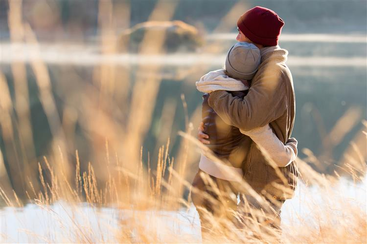 Os abraços podem ajudar com os sintomas de gripe