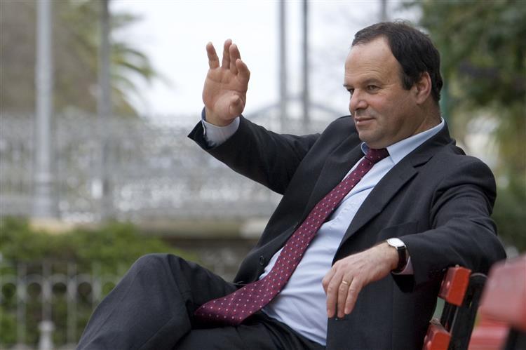 Macário Correia acusado de prevaricação de titular de cargo político