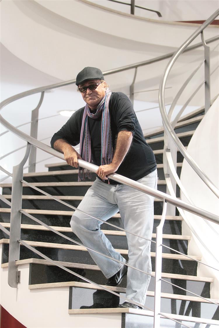 José Cid vai actuar em 25 localidades até Setembro