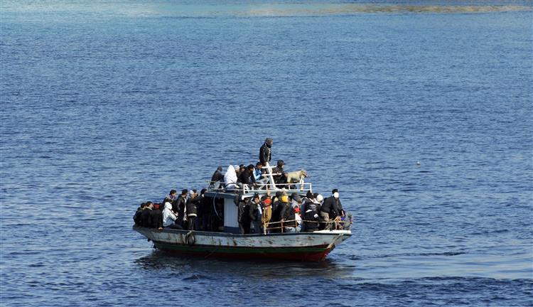 Guarda costeira italiana resgatou 3.300 imigrantes ilegais
