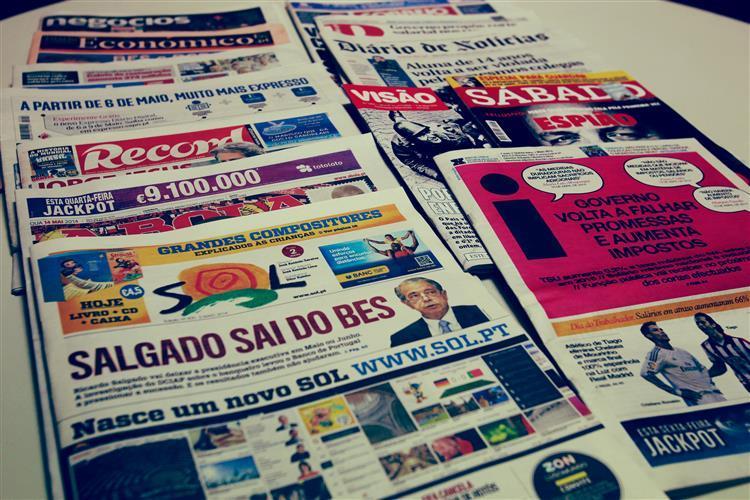 Revista de imprensa - 4 de Maio