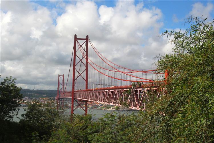 Ponte 25 de Abril: Portagens foram cobradas durante bloqueio