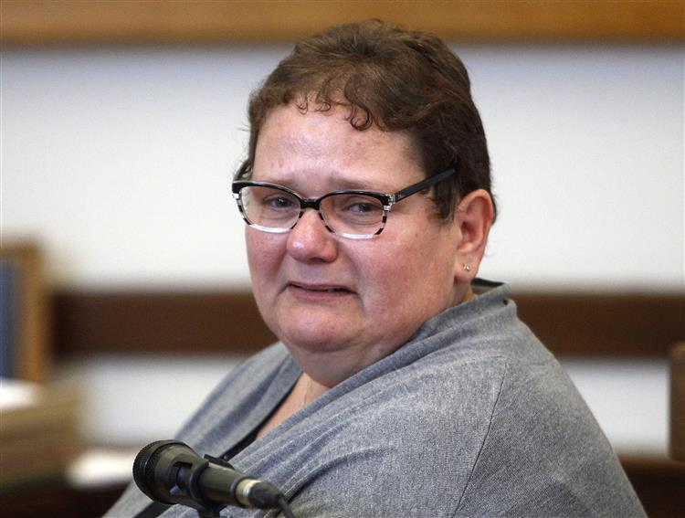 9 anos de prisão para mulher que matou oito filhos recém-nascidos