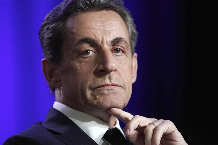 Antigo conselheiro de Sarkozy acusado de desviar dinheiro do Estado francês