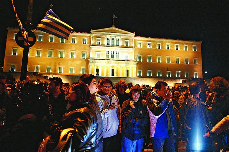 Quem está a ganhar com a crise grega? Os ladrões