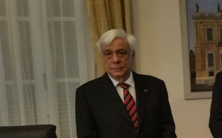 Presidente grego apela à união no dia seguinte