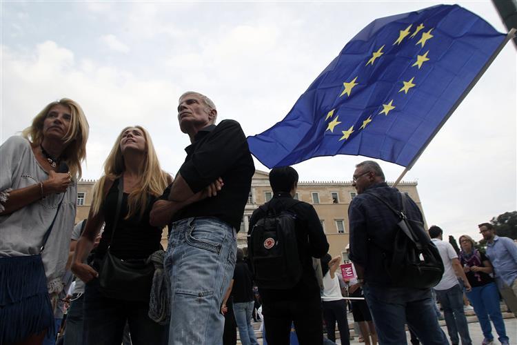 Grécia. PS e PCP não esclarecem se votavam 'sim' ou 'não'