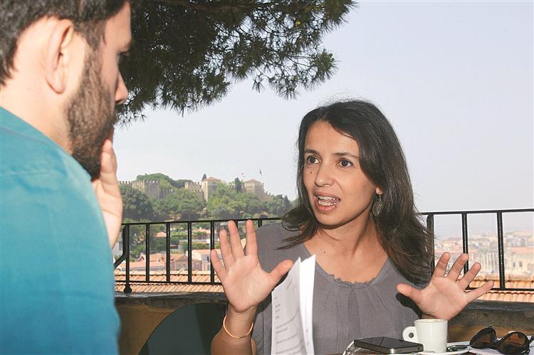 Ana Drago: 'Costa não pode querer agradar a gregos e a troianos'