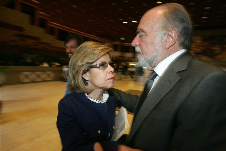 Manuel Alegre estará com Maria de Belém