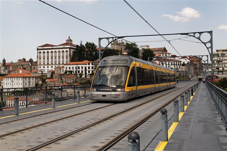 PS pondera comissão de inquérito ao Metro do Porto