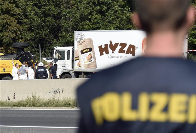 Mais um camião com refugiados encontrado na Áustria