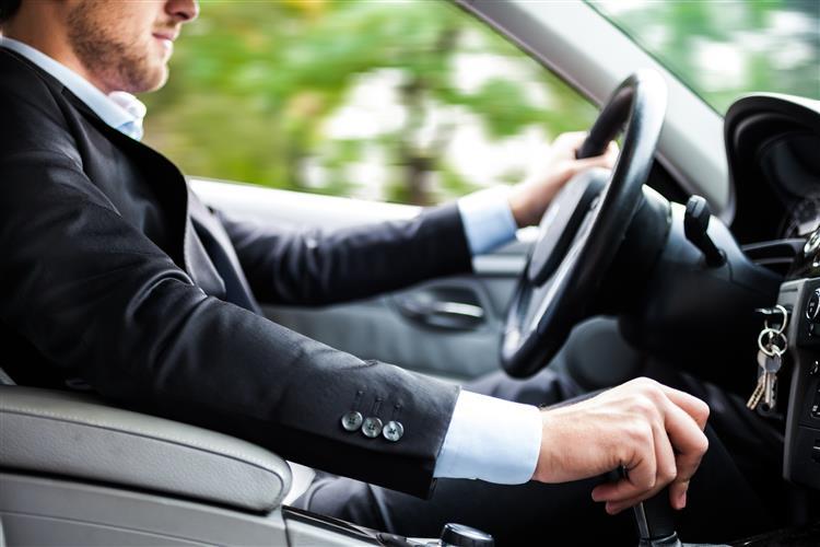 Vendas de automóveis aumentam 24% em Agosto em Portugal