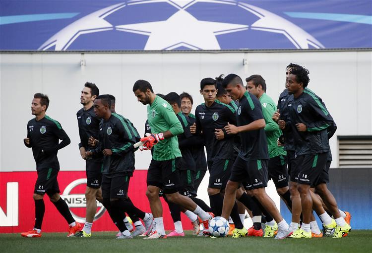 Jorge Jesus escolhe 22 jogadores para a Liga Europa