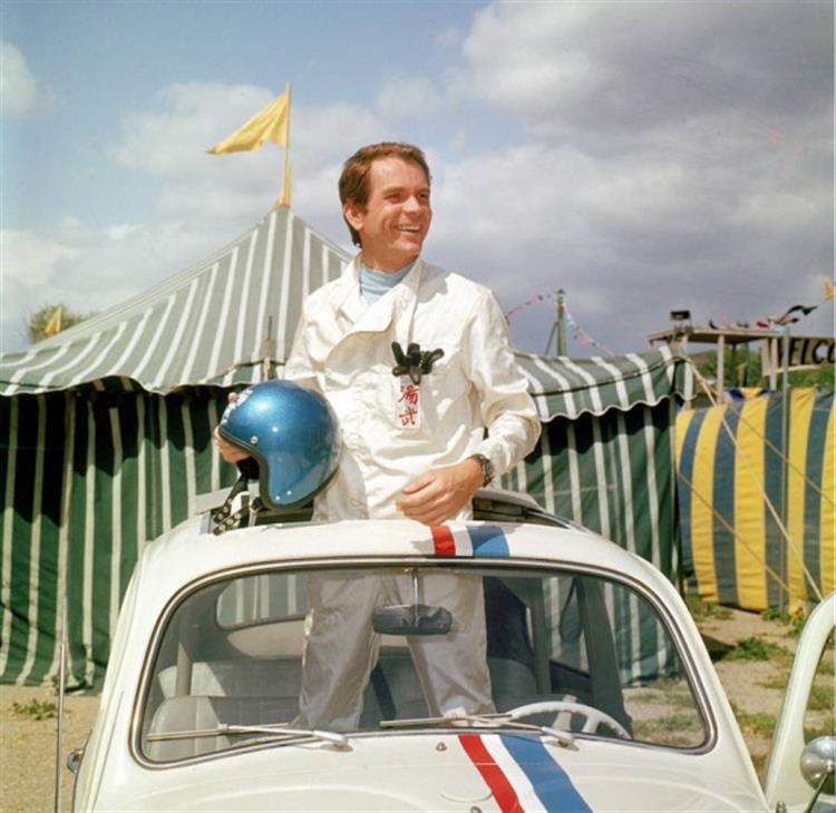 Morreu Dean Jones, o 'dono' de Herbie