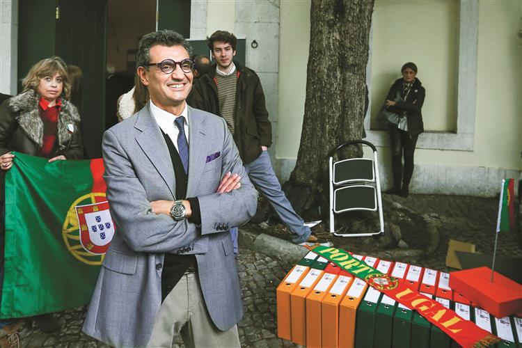 Jorge Sequeira: 'O papagaio ensinou-me palavras'