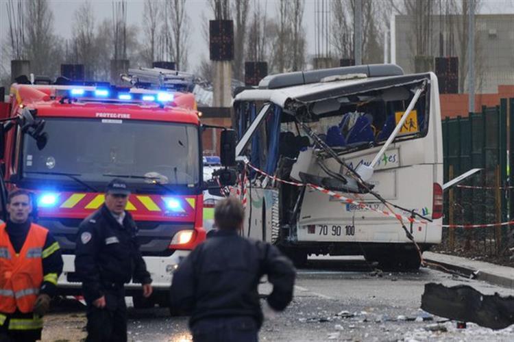Seis crianças mortas em acidente com autocarro escolar em França