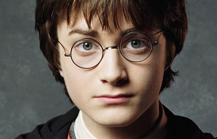 É oficial: novo livro de Harry Potter sai este verão