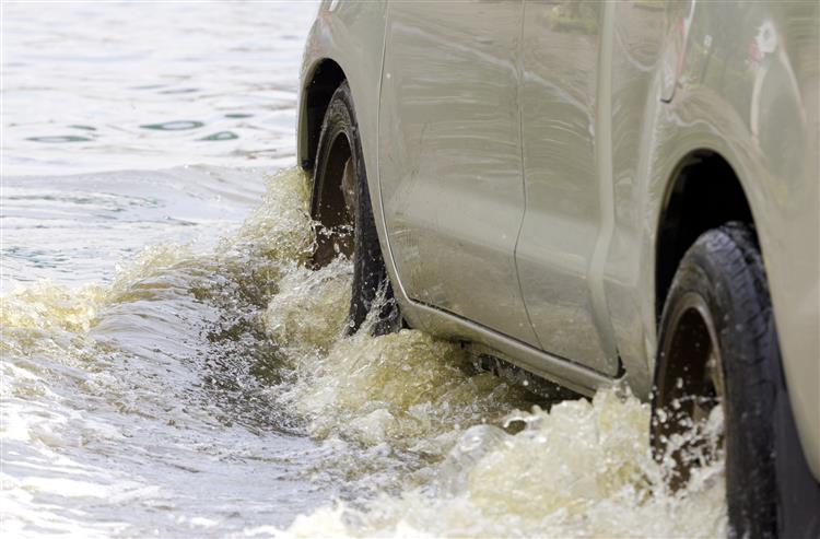 Mau tempo e risco de cheias e inundações rápidas