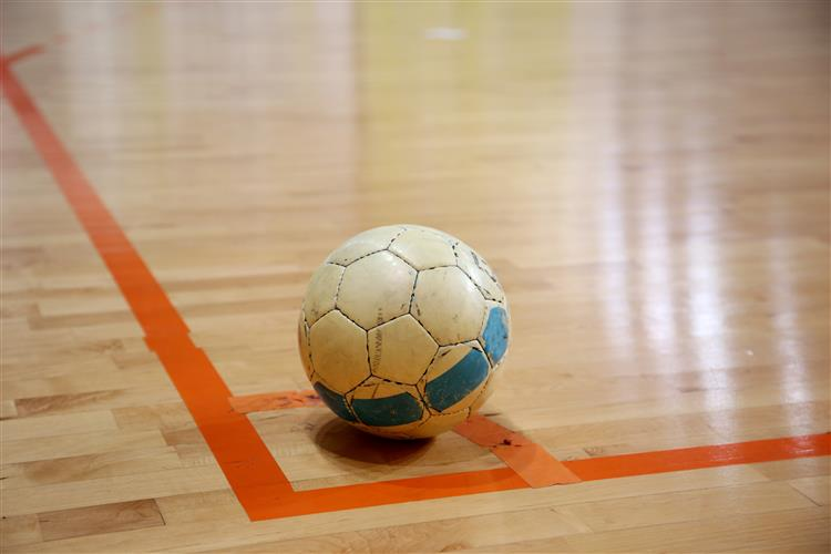 Padres vencem Euro de futsal