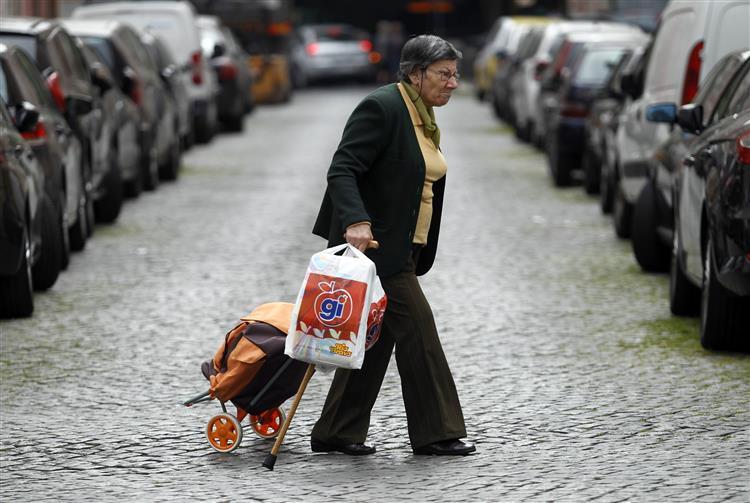 Gastos com pensões sobem 484 milhões