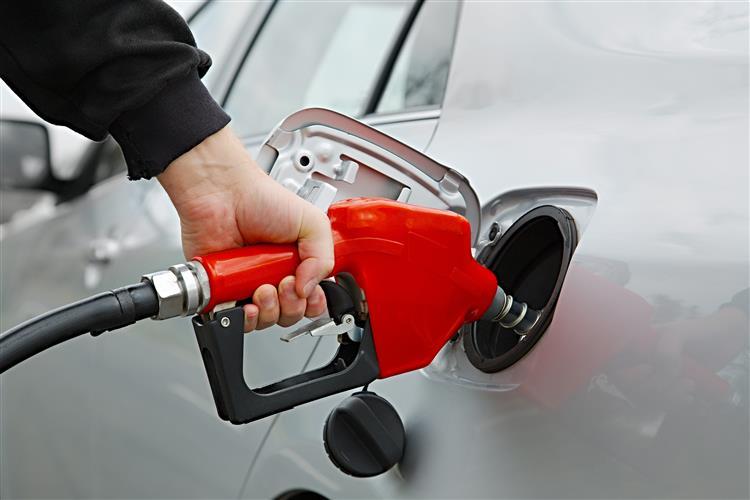 Gasolina desce, gasóleo sobe