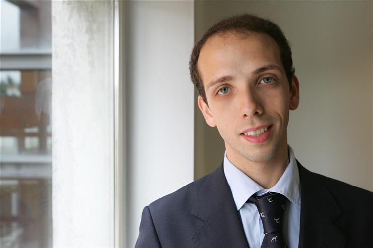 O António Custa