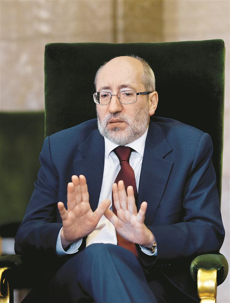 António Filipe: 'Não posso excluir que Durão Barroso seja chamado à comissão'