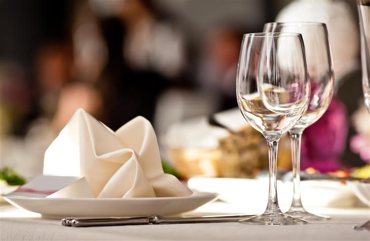 Quase 100 pessoas com sintomas de gastroenterite após jantar de luxo 513466