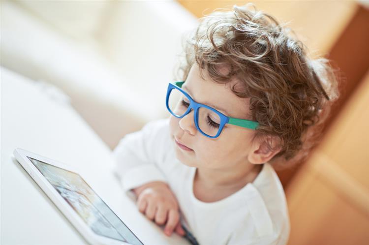 SNS vai garantir duas avaliações oftalmológicas a todas as crianças até fazerem cinco anos