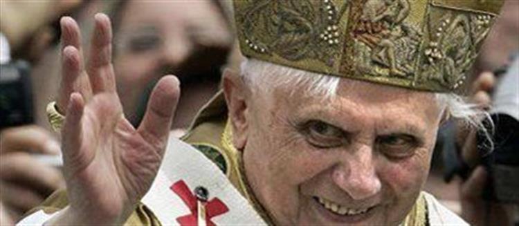 Bento XVI: O pastor (alemão) rodeado de lobos
