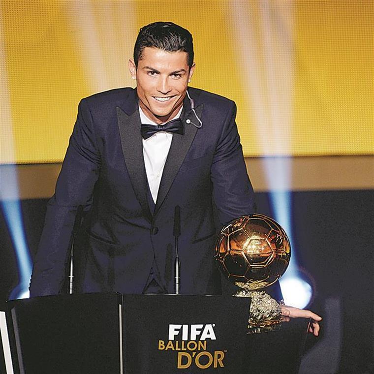 """Bola de Ouro. Raúl sem dúvidas: """"Este ano é de Cristiano Ronaldo"""""""