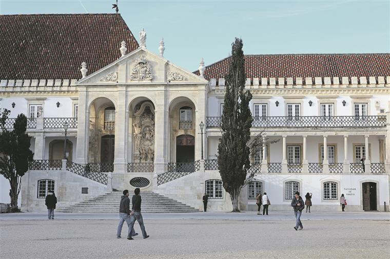 Universidade de Coimbra quer passar a fundação em 2017