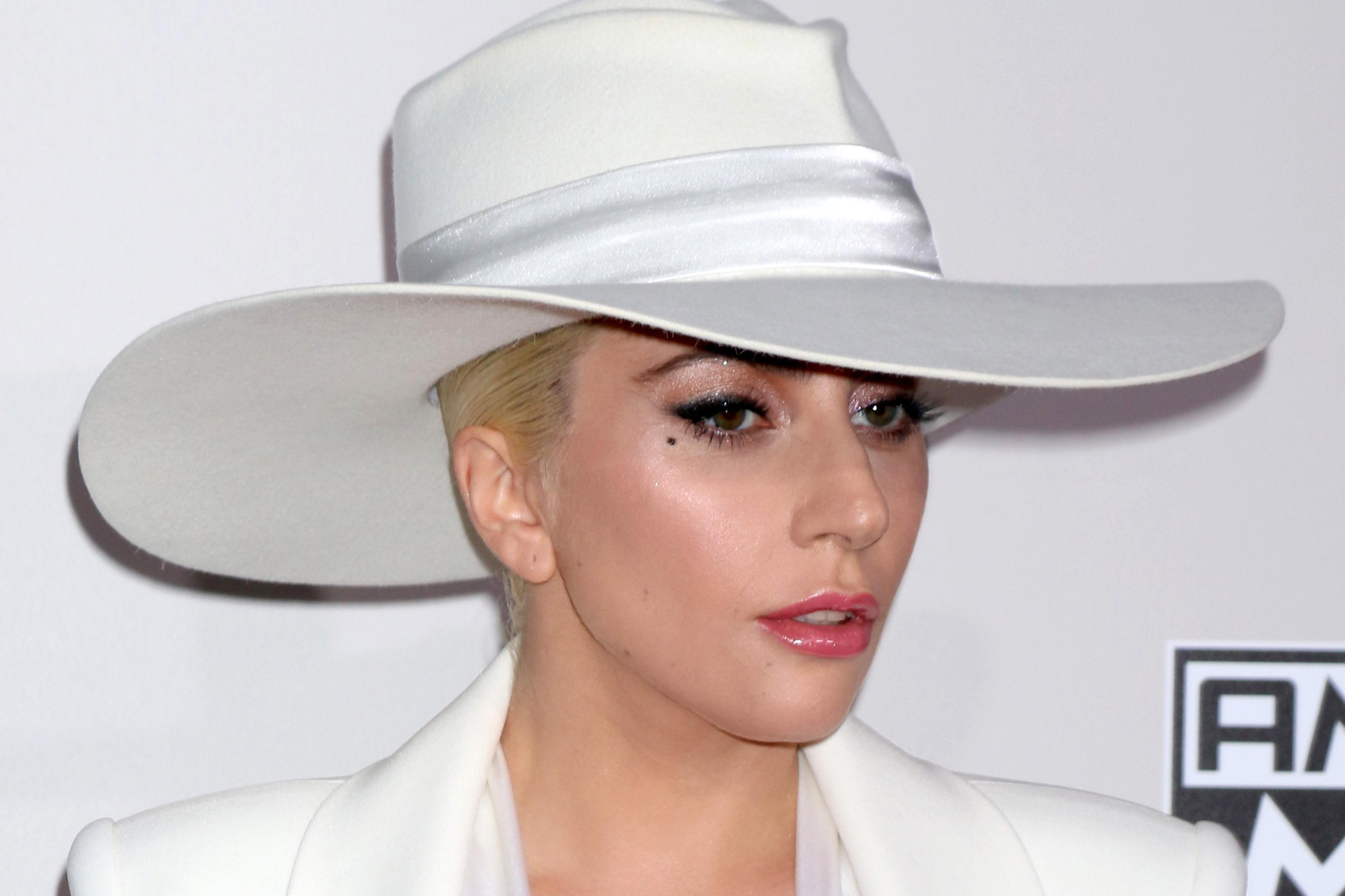 Lady Gaga. Stress pós traumático devido a violação