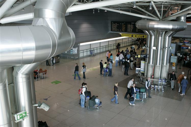 Aeroporto Internacional De Lisboa Nome : Aeroporto de lisboa tem novo nome