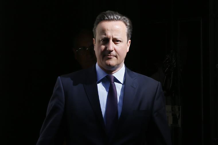 Menina de sete anos escreve carta a David Cameron